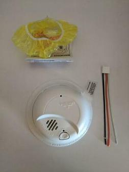 LOT OF 2 BRAND NEW First Alert 9120B6CP SMOKE DETECTORS with