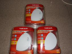 LOT OF 3  FIRST ALERT1037000 SMOKE & FIRE ALARMS--10 YEAR AL
